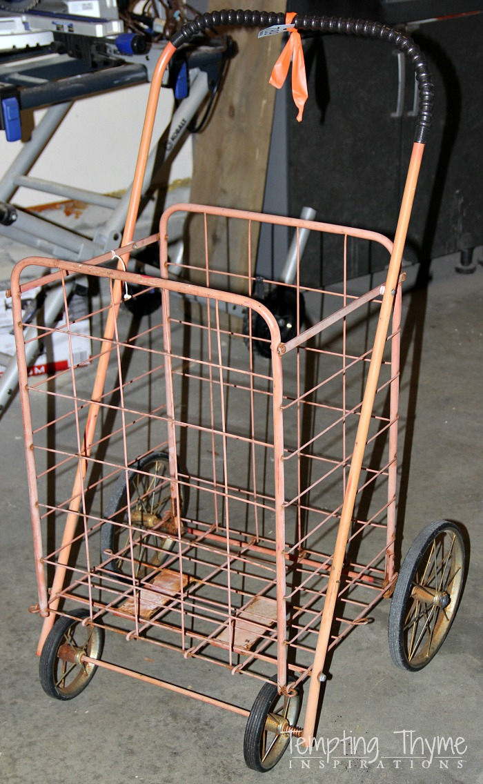 Old fashioned grocery cart
