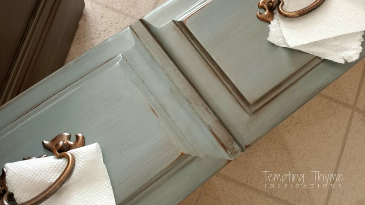Using Mineral Spirits to Age Furniture   tempting thyme