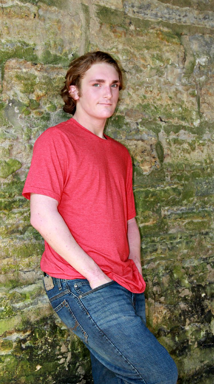 Senior Picture Poses for boys